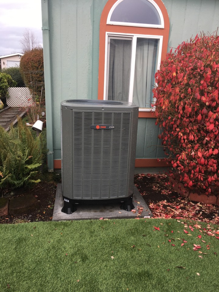 Eugene, OR - Diagnostics and repair on a Trane heat pump system. Heating and cooling.