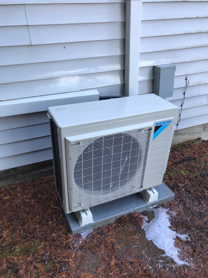 Monroe, OR - Standard tune up on a Daikin Ductless system with 2 indoor units