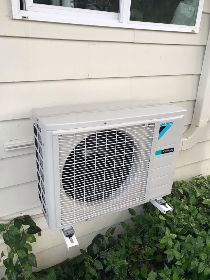 Monroe, OR - Precision tune up on a Daikin Ductless System