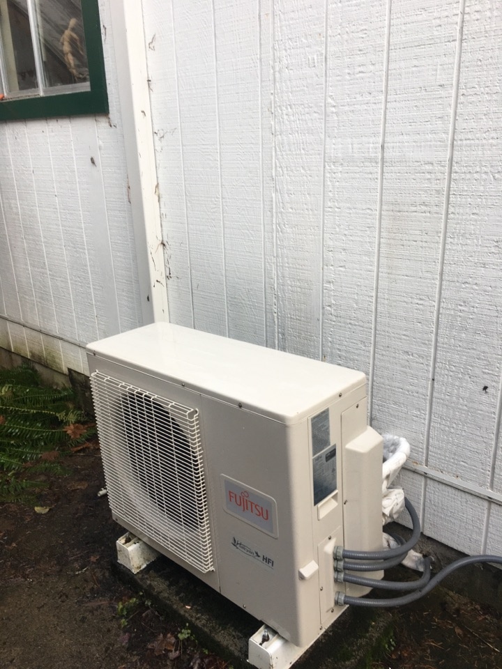 Blodgett, OR - Fujitsu ductless heat pump