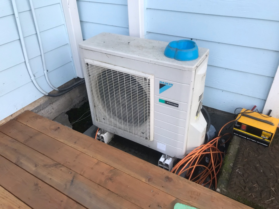 Monmouth, OR - Annual tune up and maintenance on 2 Daikin ductless heat pump systems.