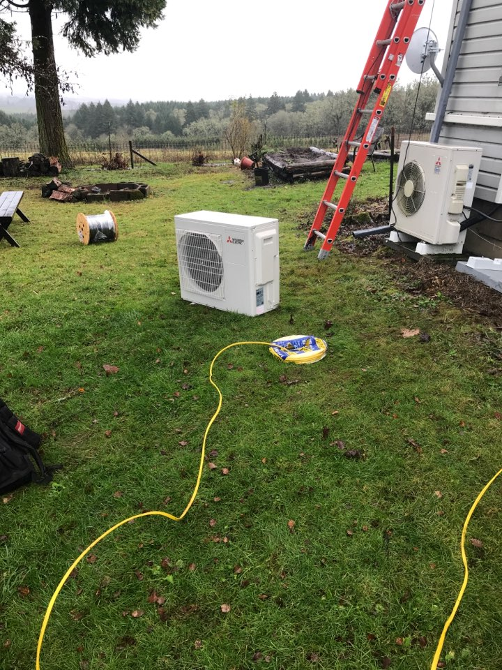 Monmouth, OR - Installing 2 zone Mitsubishi ductless