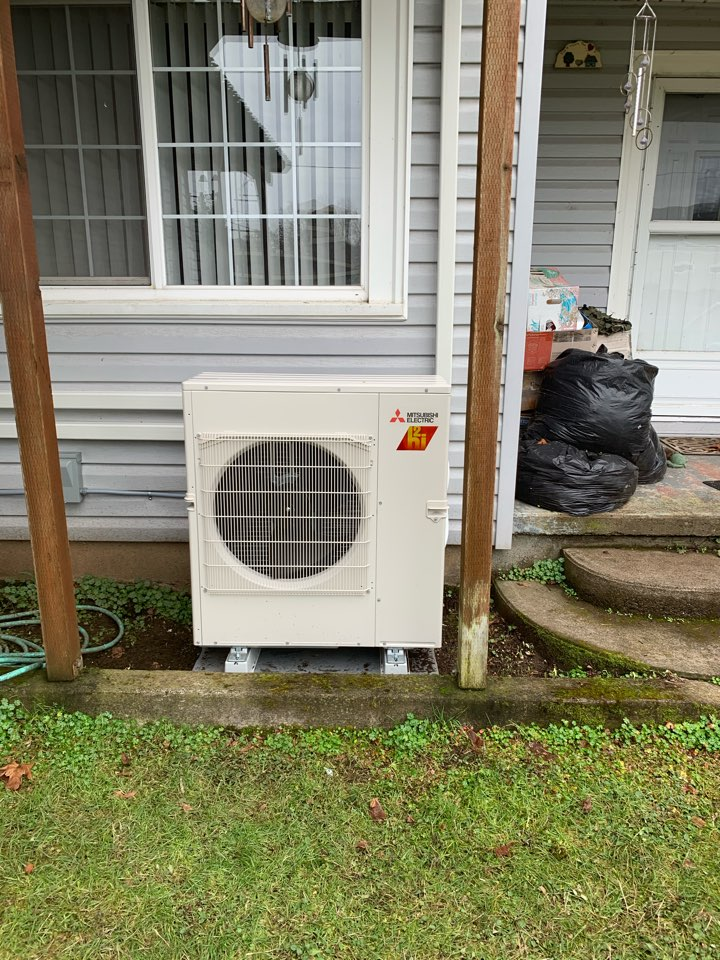 Brownsville, OR - New Ductless Heat Pump install