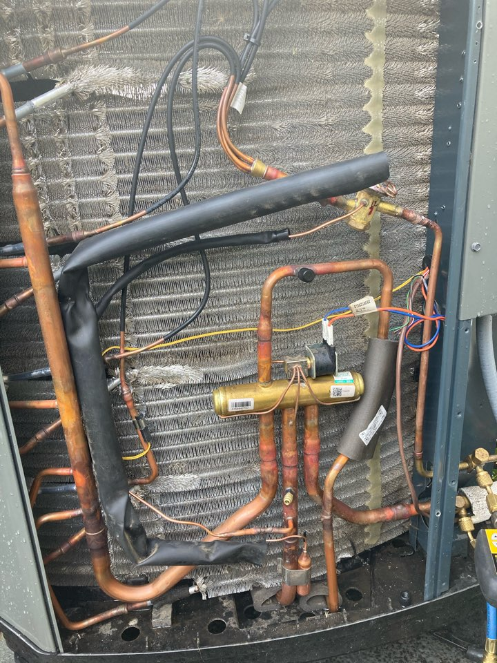 Albany, OR - Heat pump Thermal expansion valve replacement. Heating test.