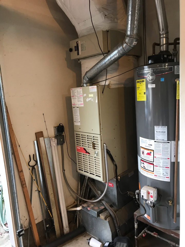 Albany, OR - Broken gas furnace