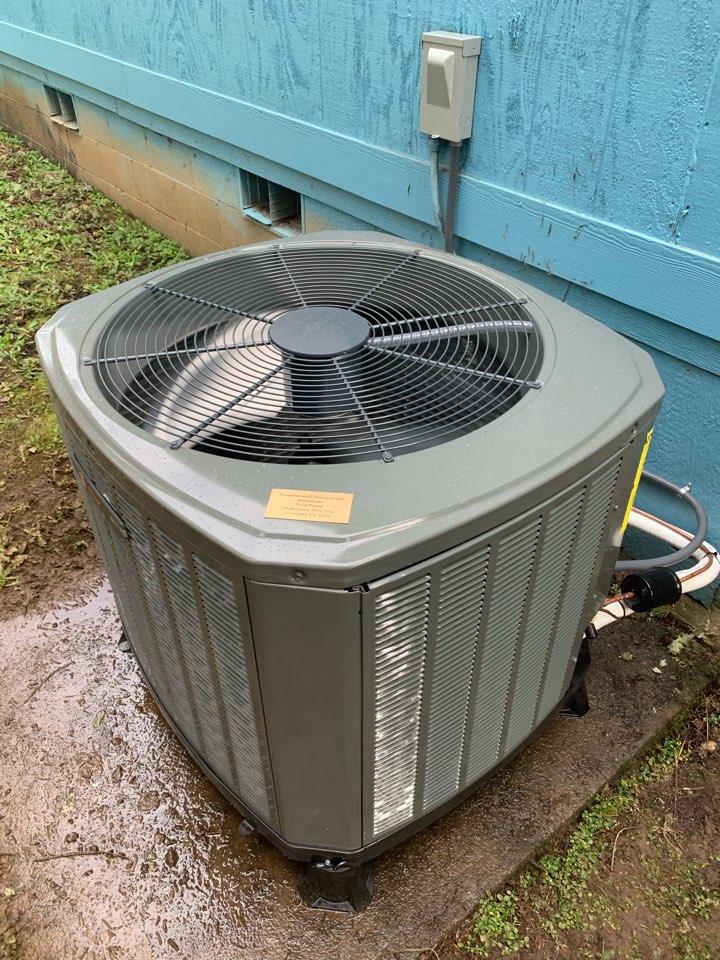 Monroe, OR - New Trane heat pump install