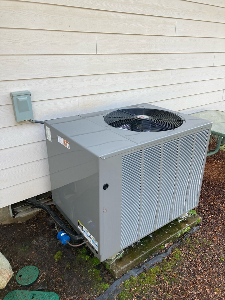 Monroe, OR - Annual Heating and Cooling maintenance on Rheem heat pump system.