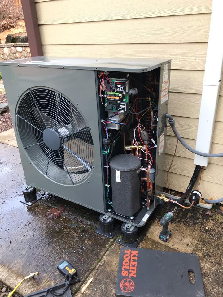 Sweet Home, OR - New trane heat pump