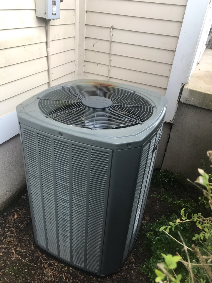 Tangent, OR - Precision tune up on a Trane Heat Pump system
