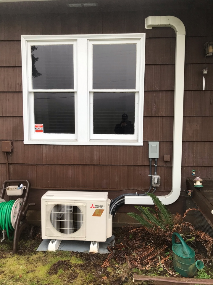 Sweet Home, OR - Maintenance on a Mitsubishi ductless heat pump system