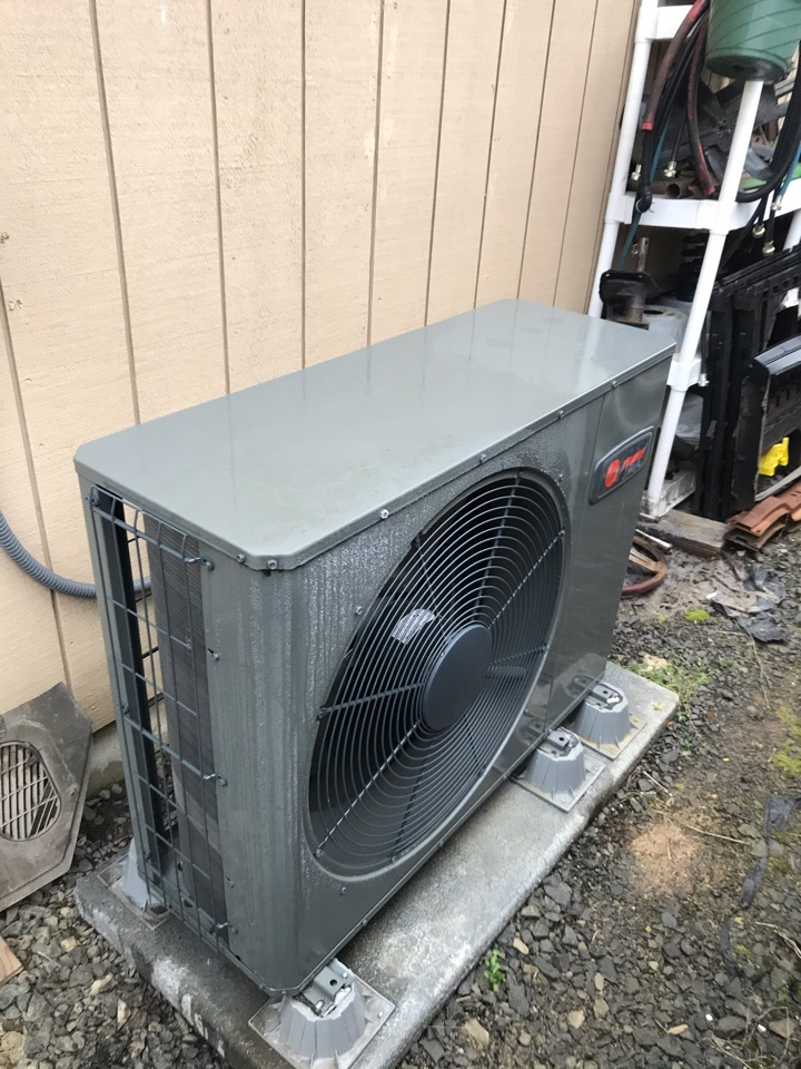 Sweet Home, OR - First year inspection on a Trane Heat Pump system