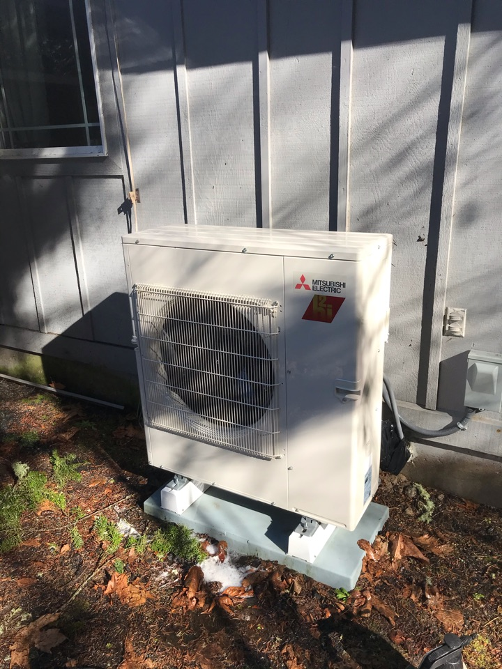 Sweet Home, OR - Precision tune up on a Mitsubishi ductless system with 2 indoor units