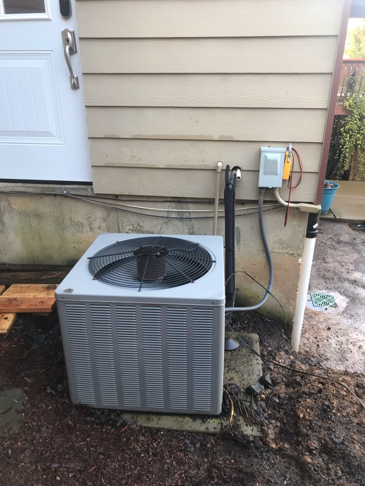 Philomath, OR - Precision tune up on a Ruud Gas Furnace and Air Conditioner
