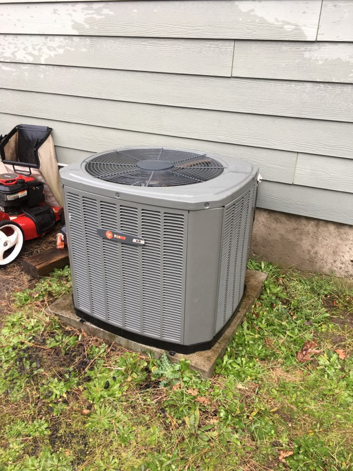 Philomath, OR - Performing a maintenance service call. Tune up on a Trane gas furnace and air conditioner. Heating and cooling.