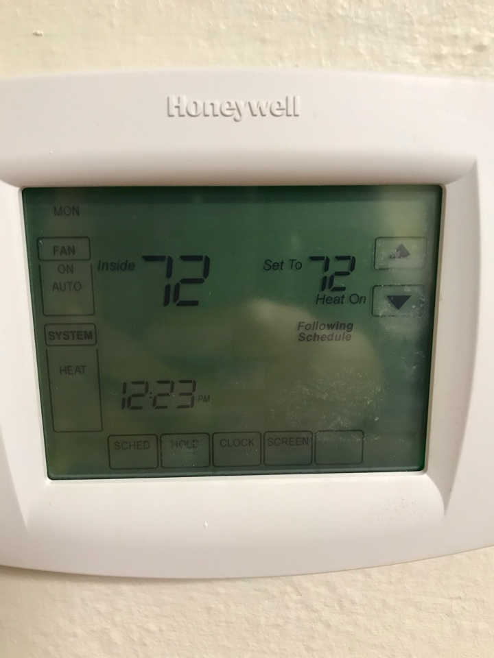Tangent, OR - Honeywell thermostat