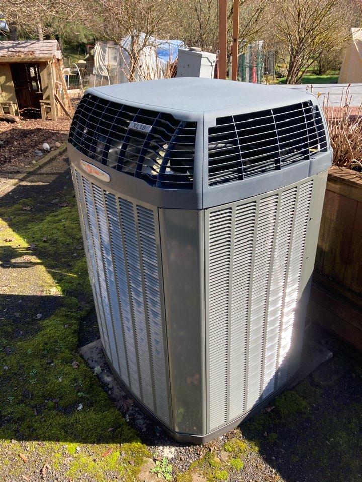 Corvallis, OR - Trane air conditioner maintenance tuneup
