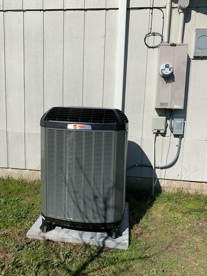 Jefferson, OR - New Trane heat pump system installed