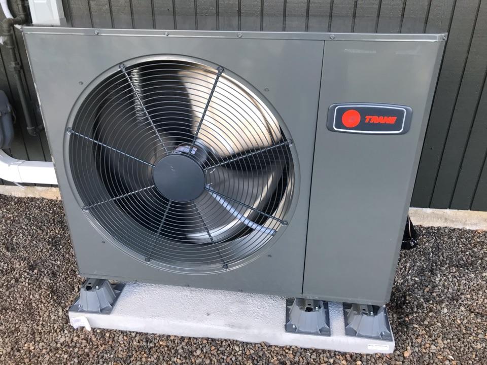 Salem, OR - Trane heat pump system installation.