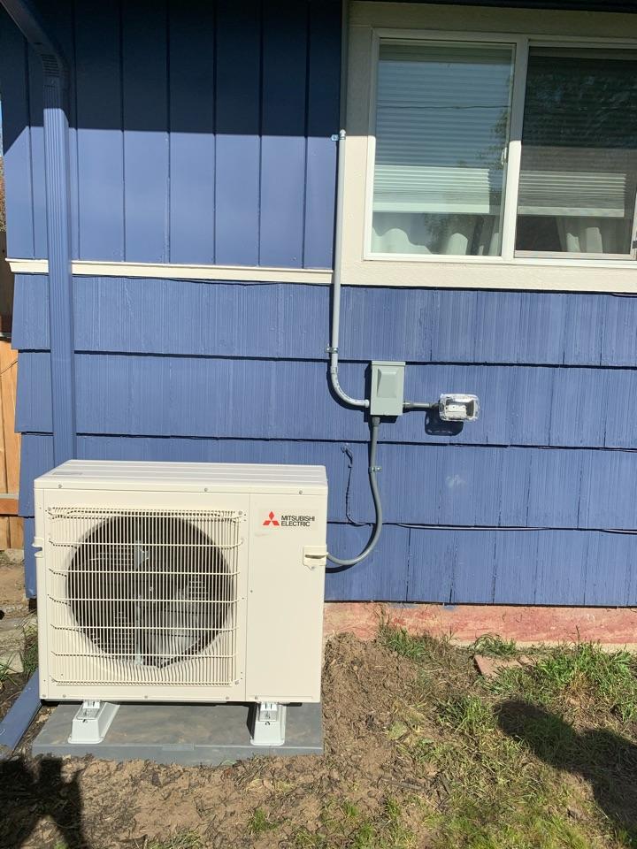 Albany, OR - New Mitsubishi heat pump install