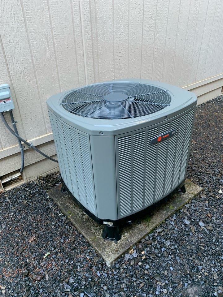 Lebanon, OR - Trane Heat Pump System maintenance