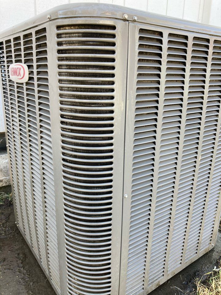Halsey, OR - Diagnostic and repair on Lennox heat pump system.