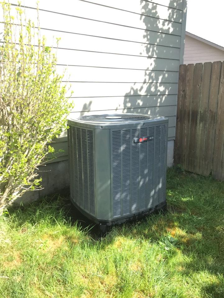 Springfield, OR - Maintenance on a Trane HVAC system