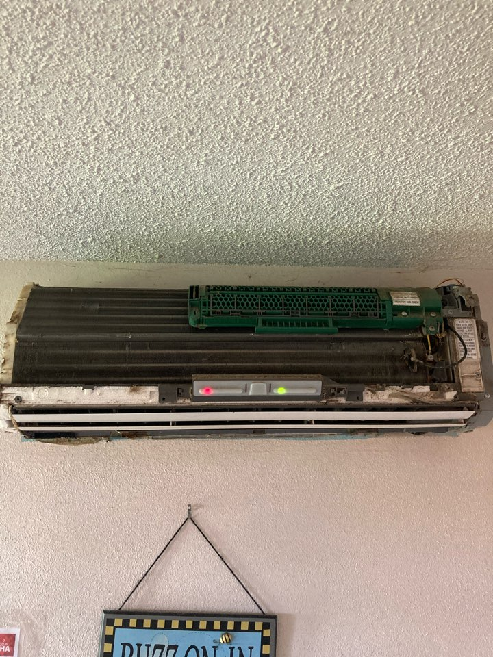 Monmouth, OR - Diagnostic and repair on Fujitsu ductless heat pump.
