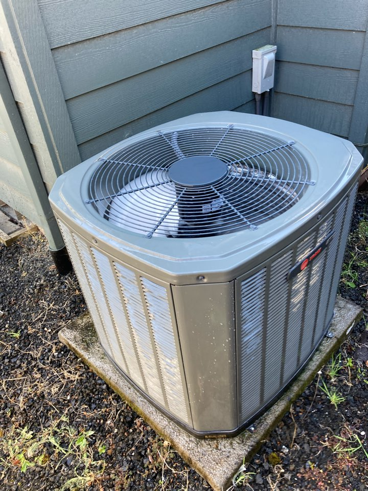 Corvallis, OR - Trane air conditioner maintenance tuneup