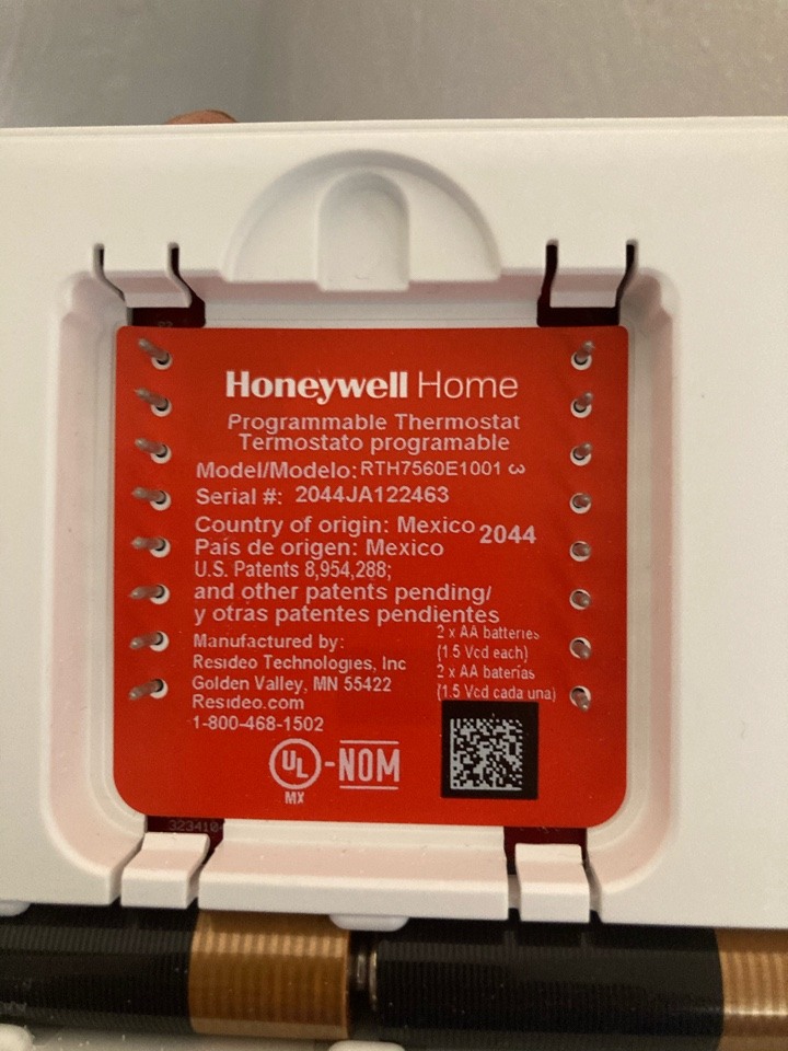 Philomath, OR - Diagnostic and repair on Carrier heat pump system and Honeywell thermostat.
