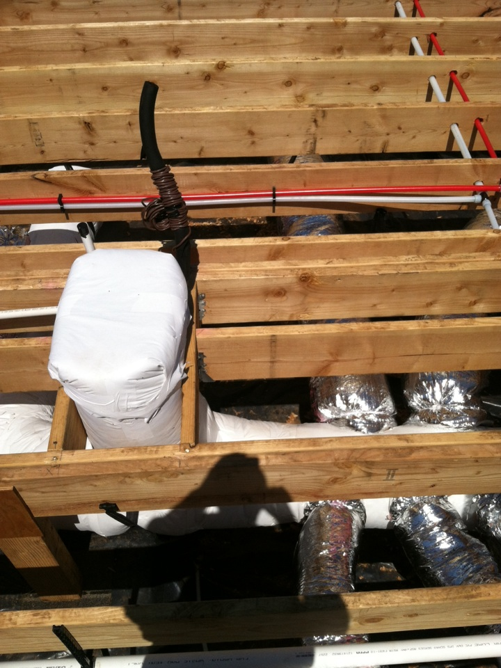 Turner, OR - New construction under floor ductwork install