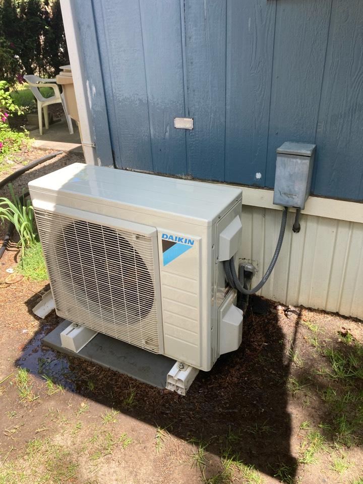 Tangent, OR - Daikin ductless heat pump maintenance tuneup