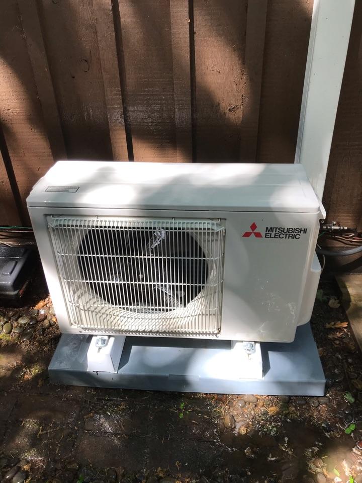 Toledo, OR - Ductless heat pump maintenance