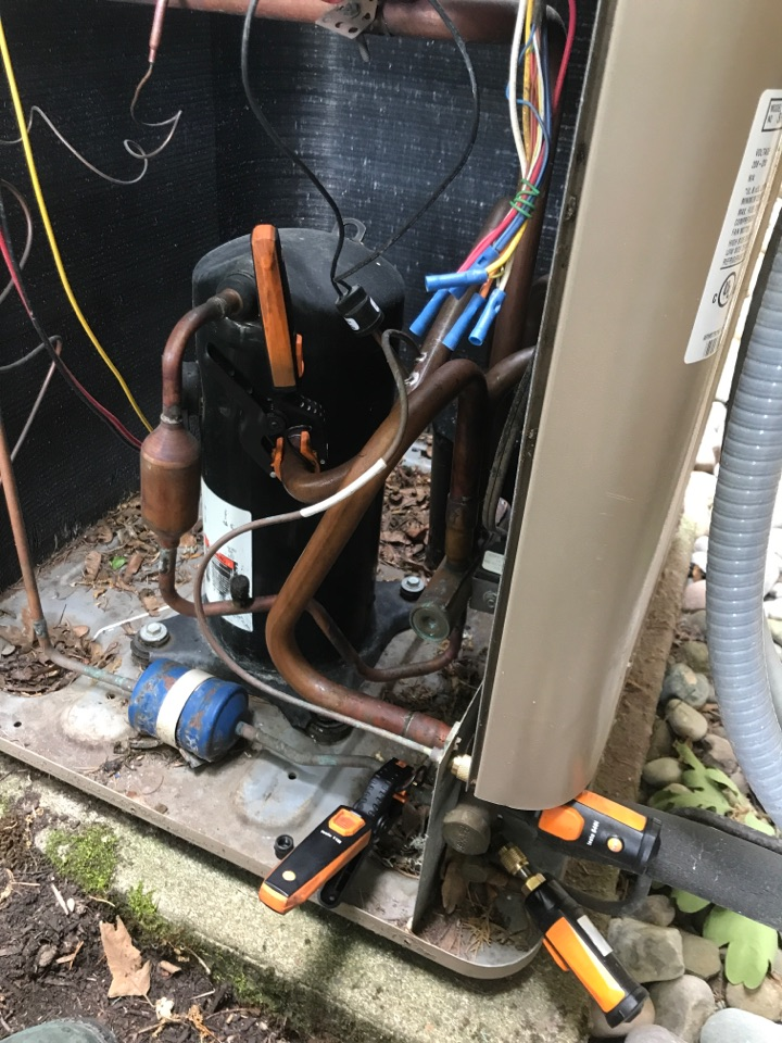 Junction City, OR - Diagnostic on a Armstrong heat pump system