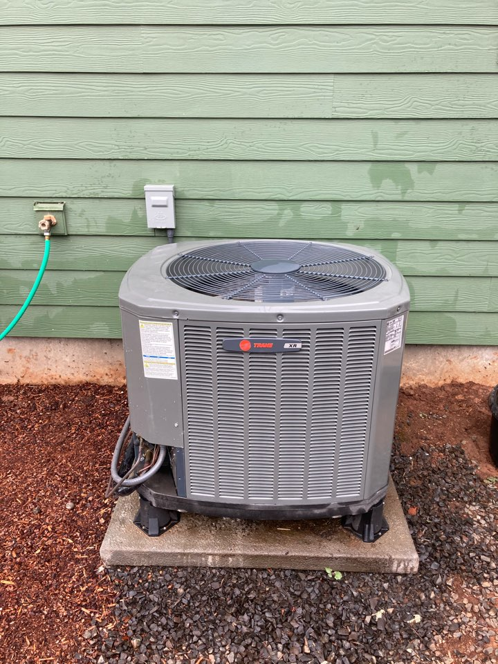 Monroe, OR - Trane heat pump maintenance tuneup