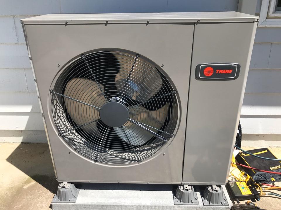 Brownsville, OR - Trane heat pump and air handler installation.