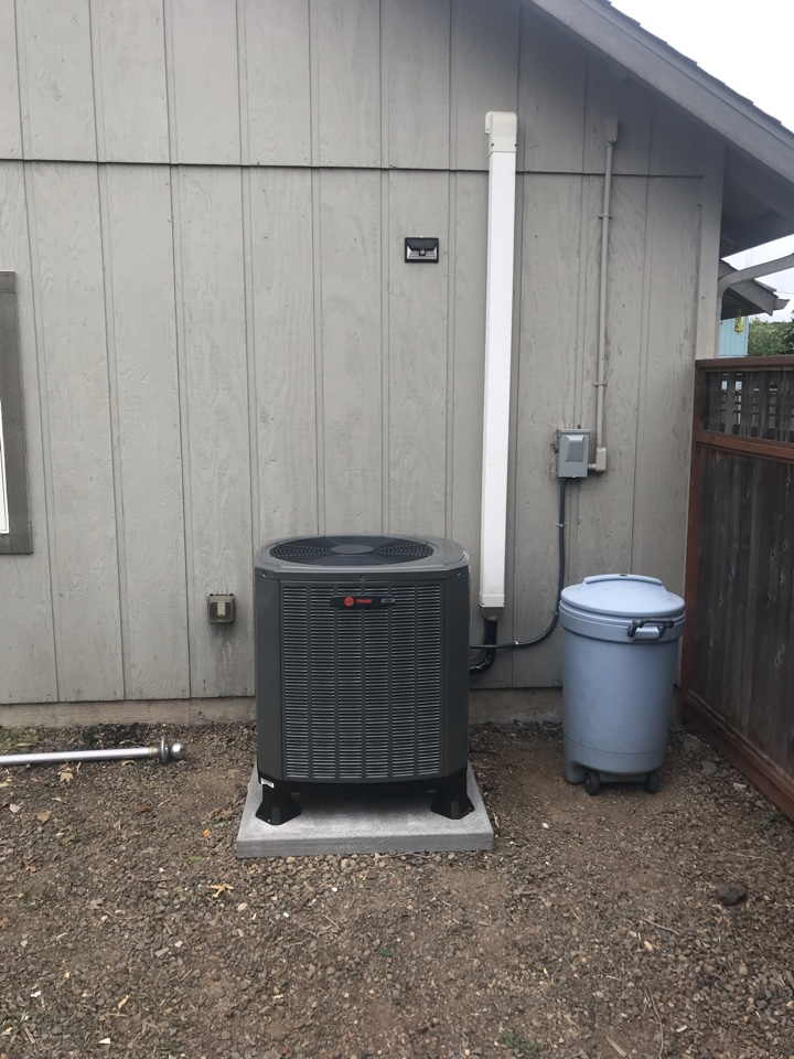 Philomath, OR - Trane heat pump system installation.