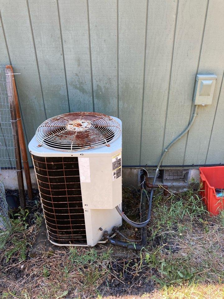 Philomath, OR - Bryant heat pump maintenance tuneup