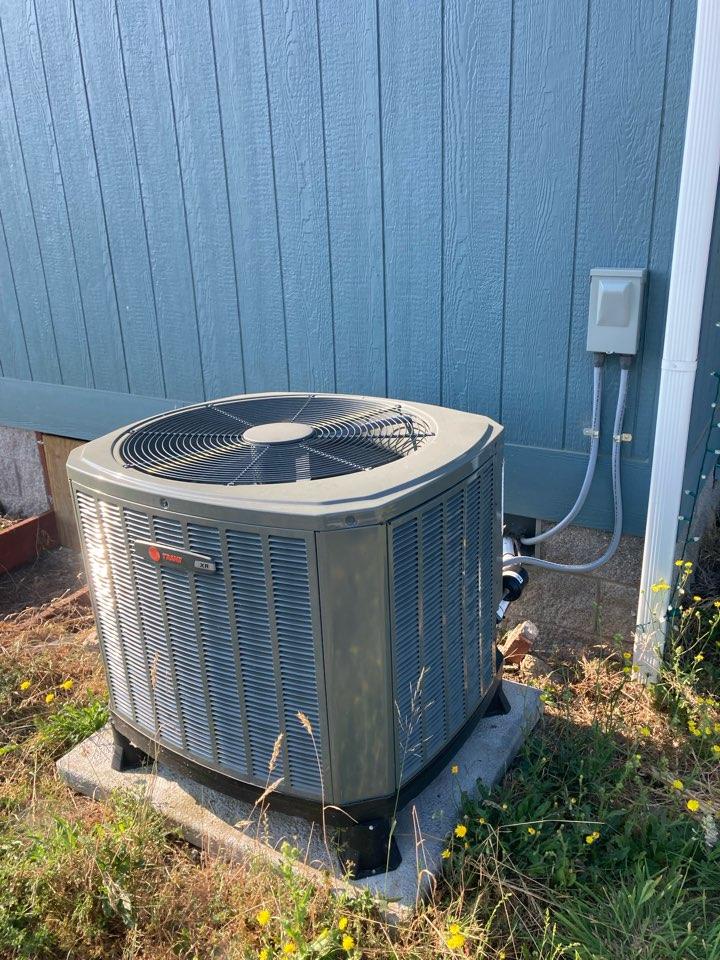 Monroe, OR - Trane heat pump inspection
