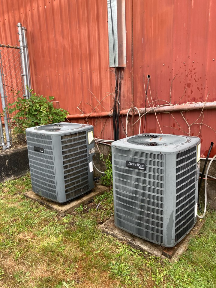 Alsea, OR - Commercial Maintenance on (2) Heat pump/Air handler systems.