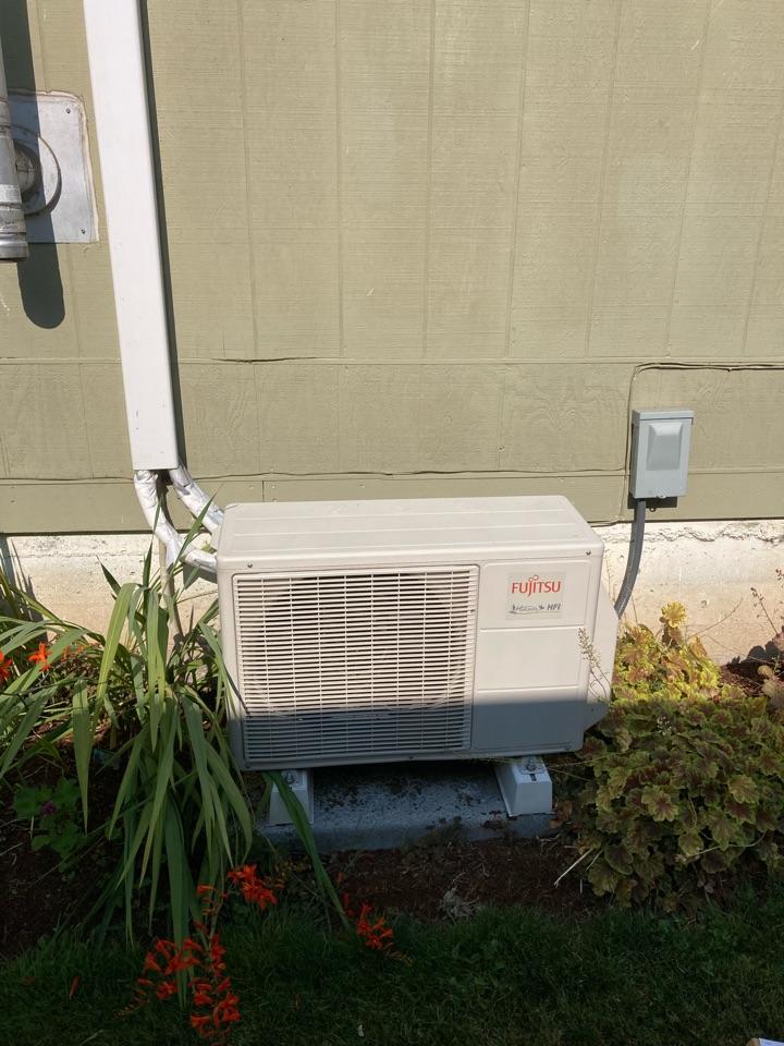 Monroe, OR - Fujitsu ductless heat pump repair