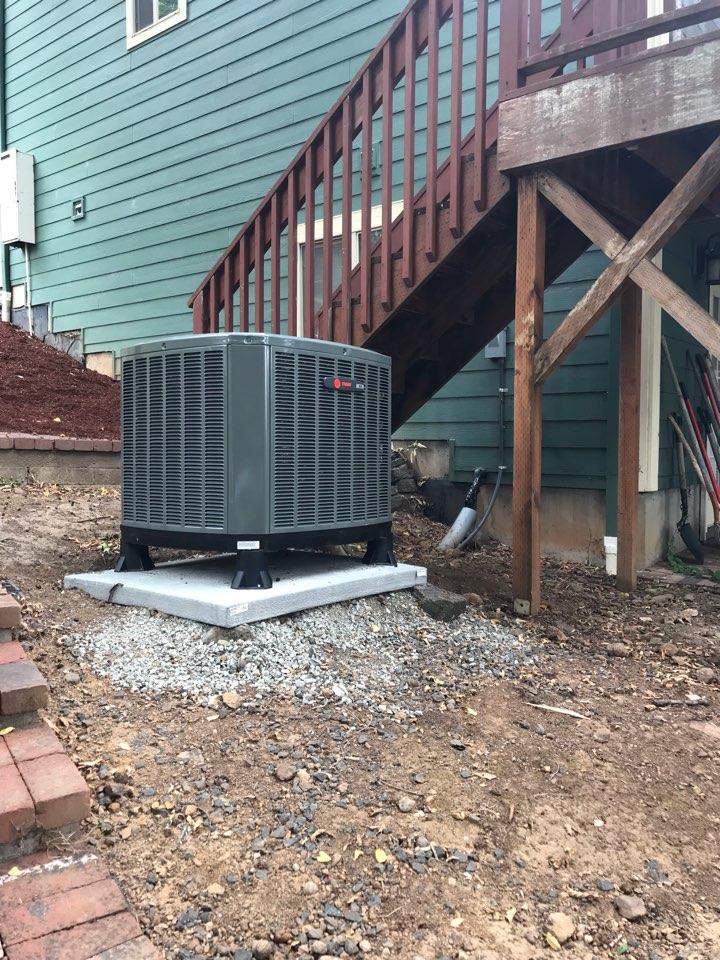 Brownsville, OR - Trane heat pump installation.