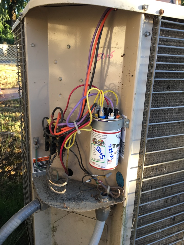 Lebanon, OR - Diagnostics and repair on a Lennox air conditioner. AC.