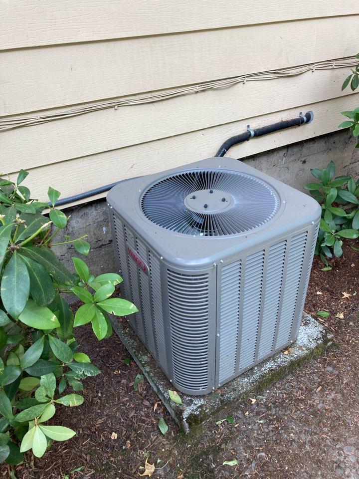 Salem, OR - Lennox air conditioner maintenance tuneup
