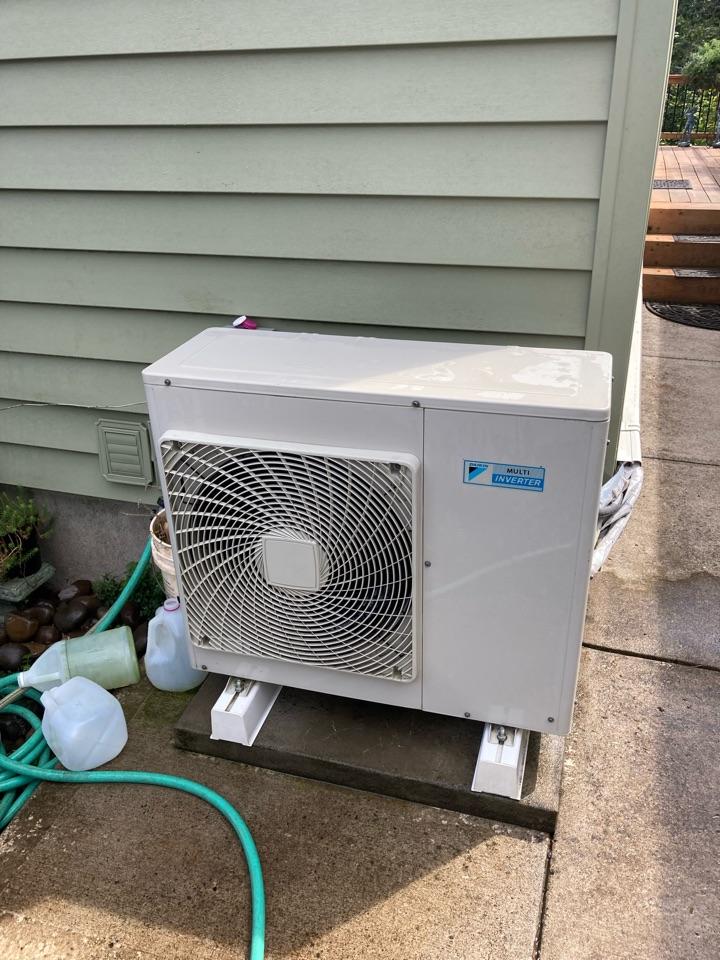 Salem, OR - Daikin ductless heat pump maintenance tuneup