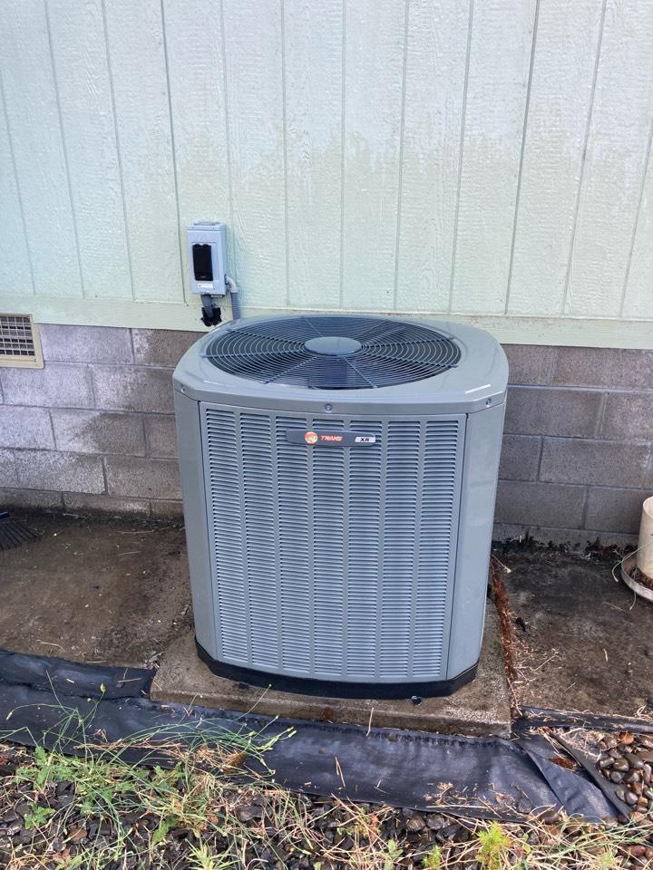 Philomath, OR - Trane heat pump maintenance tuneup
