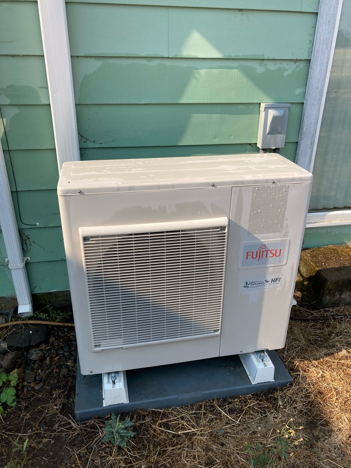 Monroe, OR - Fujitsu ductless heat pump maintenance tuneup