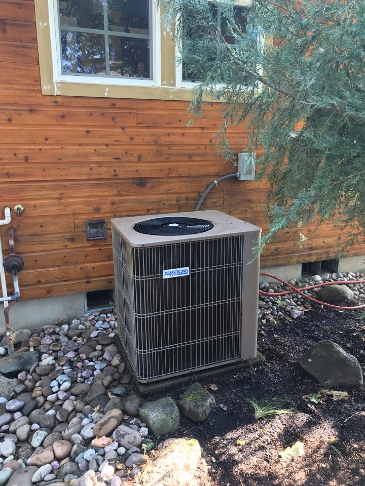 Junction City, OR - Heat pump maintenance