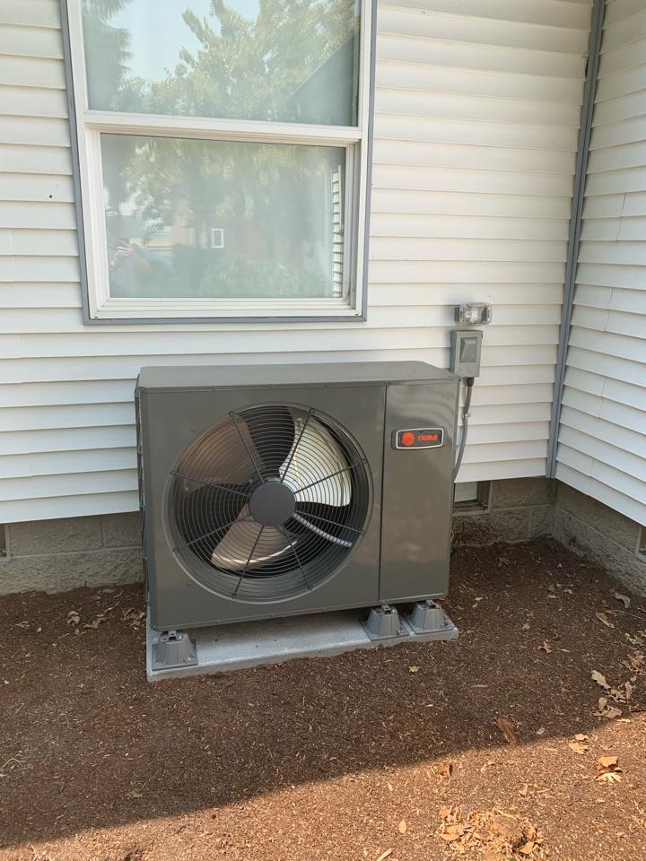 Shedd, OR - New Trane heat pump installed