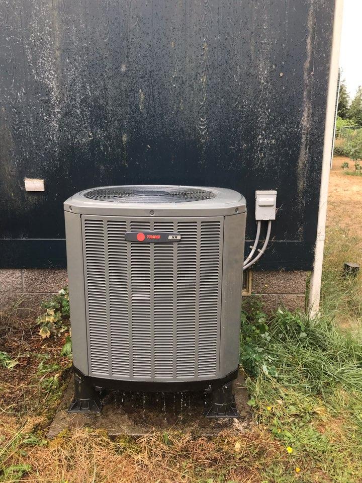 Cheshire, OR - Heat pump maintenance