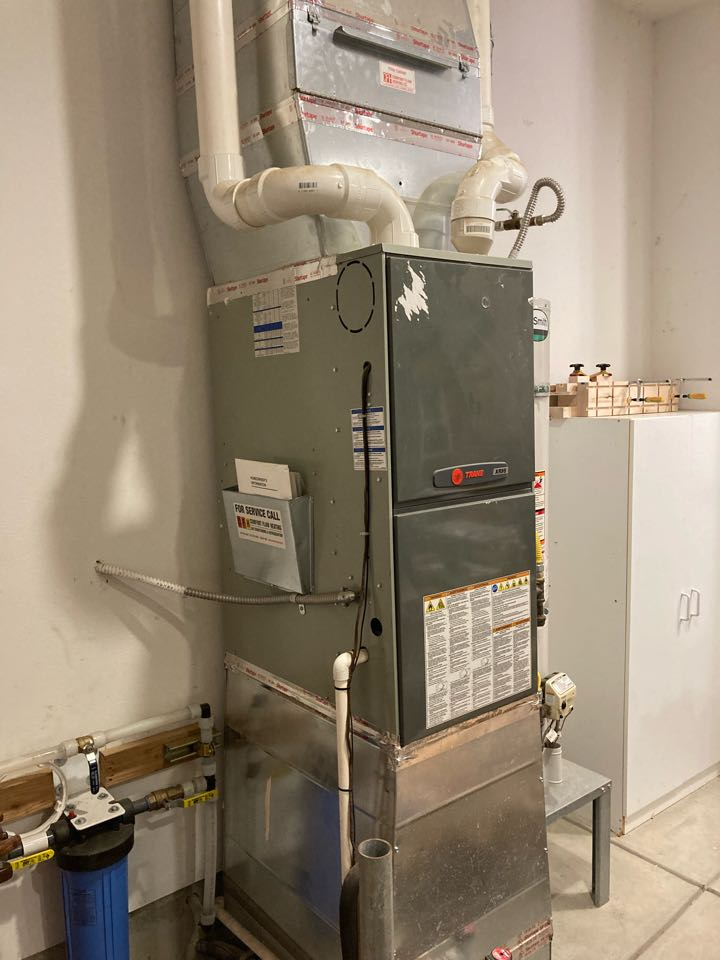 Junction City, OR - Trane furnace maintenance tuneup